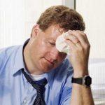 暑がりで汗かきなのはどうして?治すことはできるの?病気の可能性は?