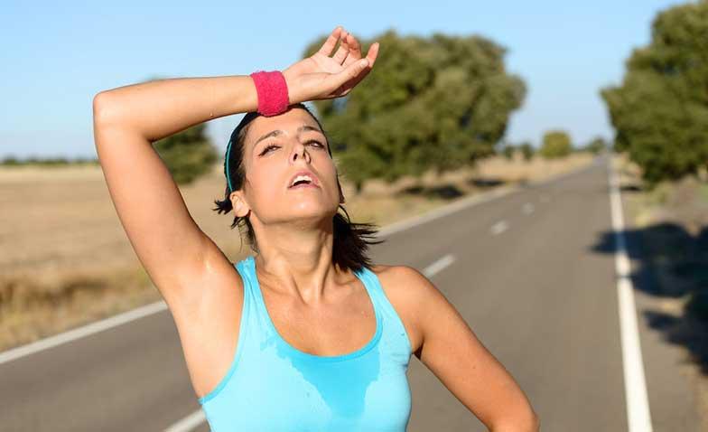 運動すると汗をかきすぎる…少しの運動で大量に汗をかく原因は?
